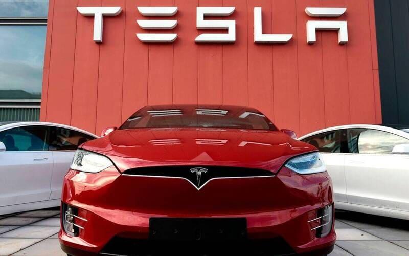 Tesla-300millions